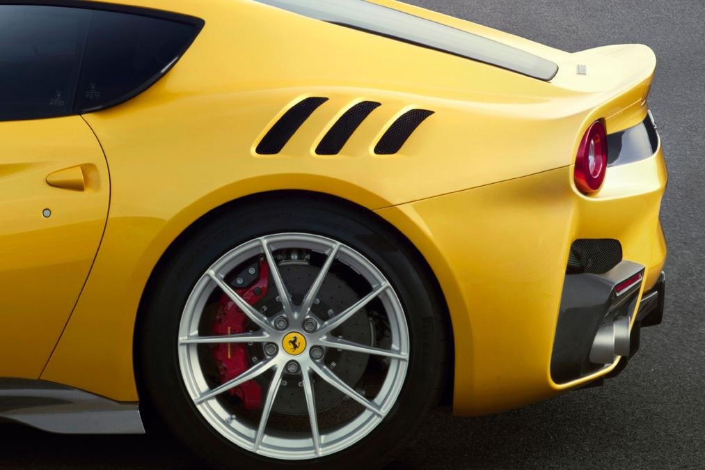 ferrari_f12tdf_1low1