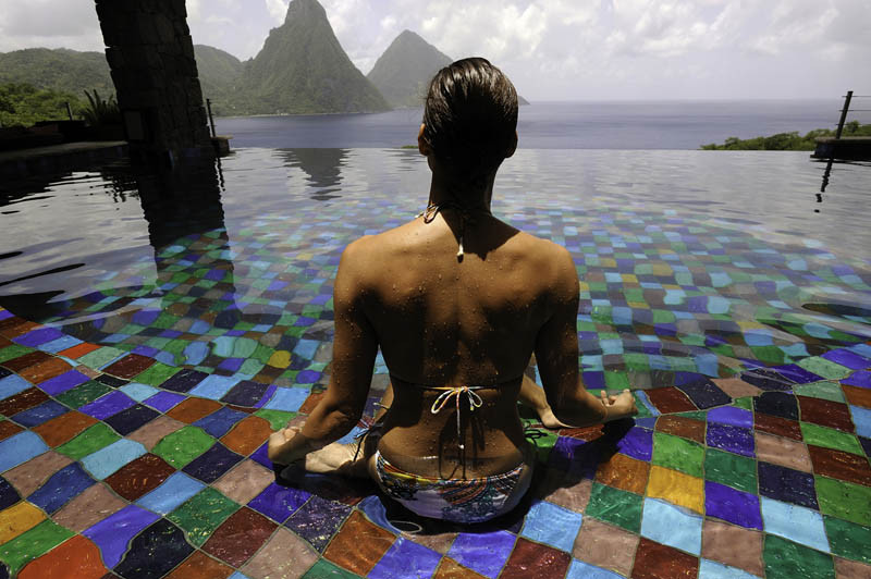 jade-mountain-st-lucia-infinity-pool-every-room-11