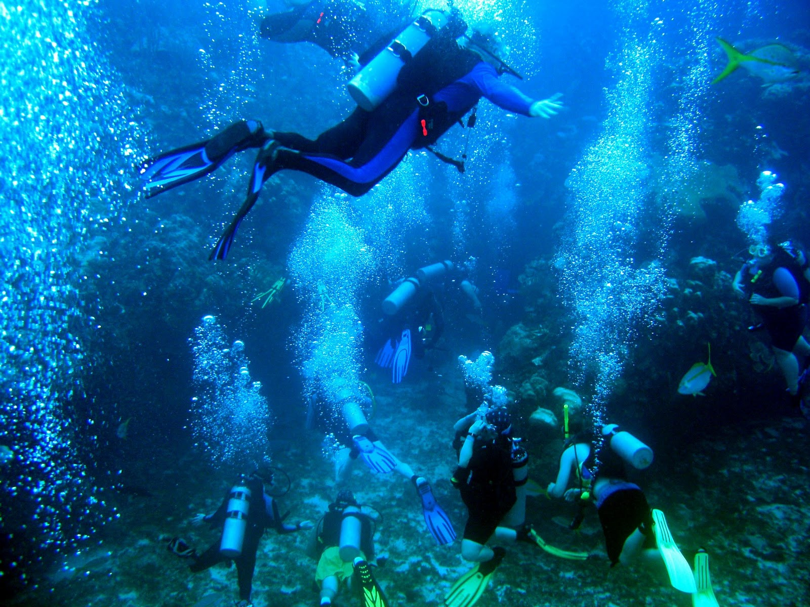 Scuba-Diving-in-Belize