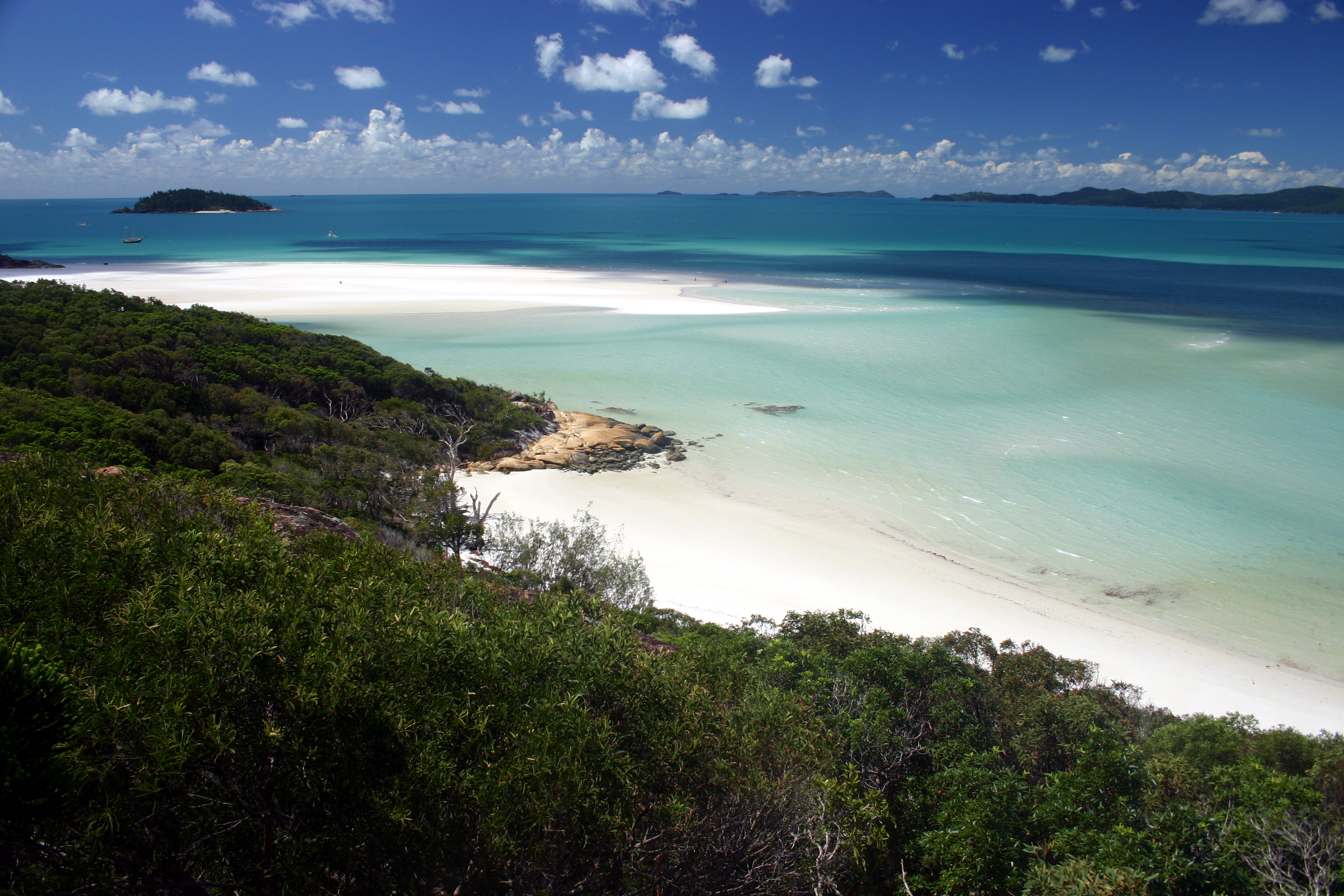 Whitsunday_Island_-_Whitehaven_Beach_01