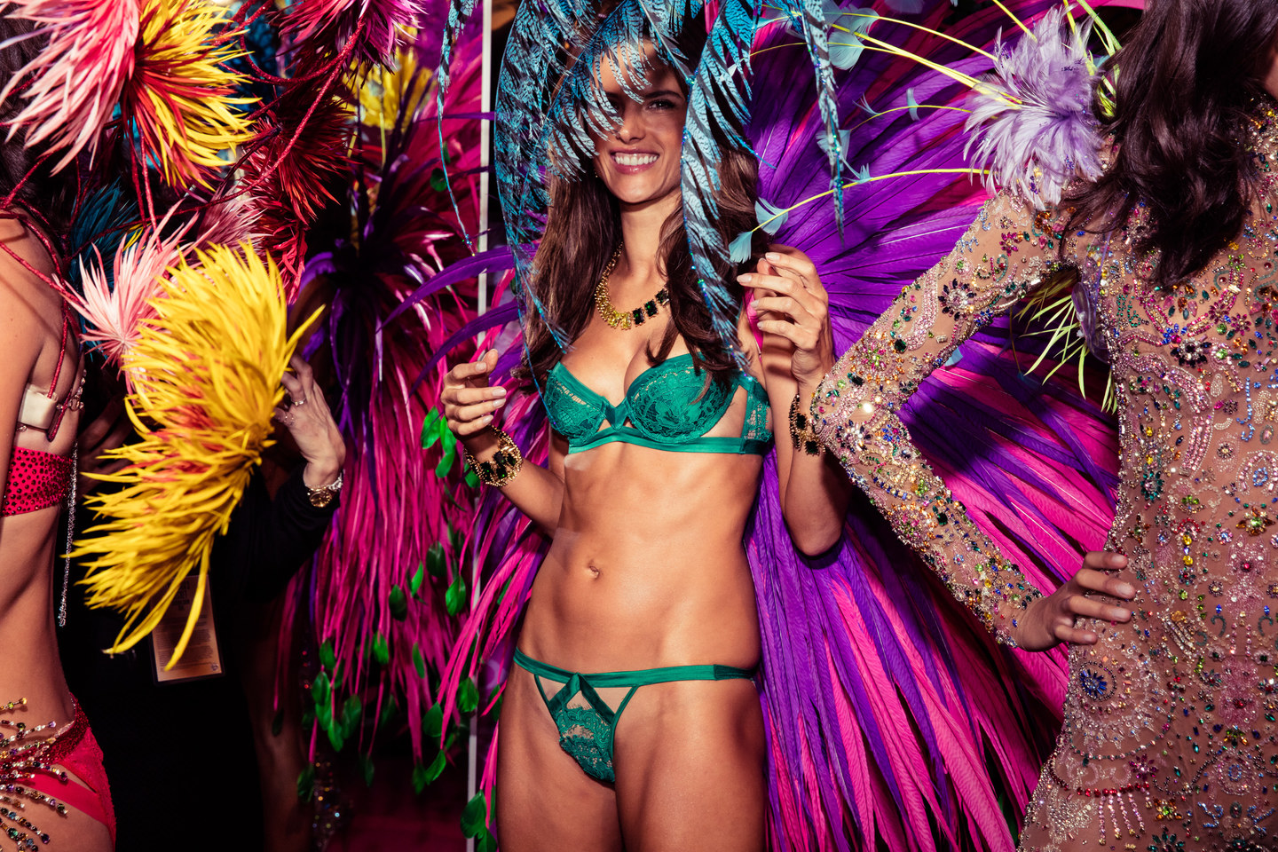 victorias-secret-fashion-show-2015-ss42